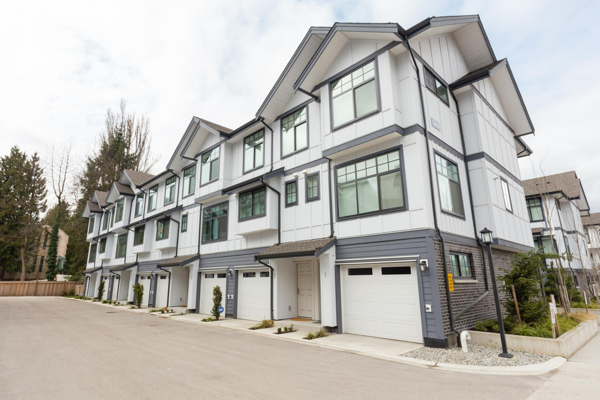 5 - 5068 Savile Row, Buckingham Heights, Burnaby South